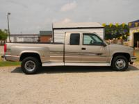 Options Included: N/A2000 GMC Sierra 3500 featuring the