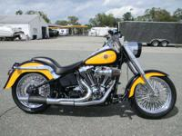 2000 Harley-Davidson FLSTF Fat Boy YELLOW AND BLACK