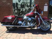 2000 Harley-Davidson King, features many extras