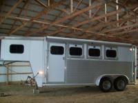 2000 Hart Aluminum Trailer, 3 horse slant with dressing