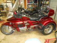 Beautiful 2000 Honda GL 1500 Goldwing SE ASPENCADE with