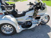 2000 HONDA GOLDWING GL1500 WITH A LEHMAN GTL