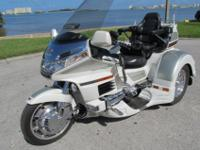 VERY NICE 2000 HONDA GOLDWING GL1500 WITH A LEHMAN GTL