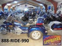 2000 Honda Goldwing Trike. This Goldwing is absoluetly