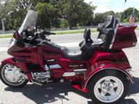 2000 HONDA GOLDWING TRIKE 16,600 MILES VERY CLEAN BIKE