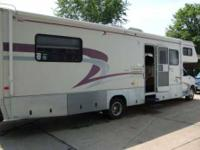 2000 Jayco Designer 3230K Class C This is the 32 foot