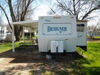 2000 jayco designer series. 34 foot with 2 slideouts.