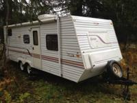 2000 Jayco Qwest pull behind travel trailer  Equipment-