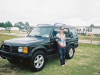 This is a Land Rover Discovery Series 2, one of the