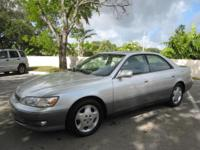 2000 LEXUS ES 300 PLATINUM..EXTRA EXTRA CLEAN.THIS CAR