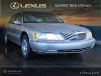 2000 Lincoln Continental Light Parchment Gold Clearcoat