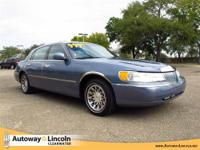 2000 LINCOLN TOWN CAR Our Location is: Autoway Lincoln