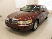 Options Included: N/AThis 2000 Lincoln Town Car