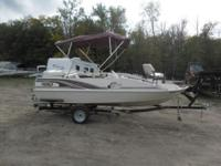 Up for Auction: Stock # 6132 - 2000 Lowe Suncruiser