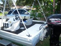 2000 Mercury 30 hp 4 stroke Outboard w/ controls carbs