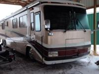 2000 Monaco Executive 45' RV. Only 57,300 original