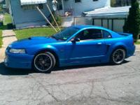 '00 mustang GT. V8 5 speed. good condition leather gray
