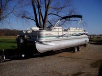 Descripción 2000 Premiere Castaway '25 pontoon boat,