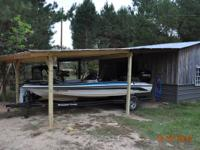 2000 ranger r81 bass boat with 175 mercury efi. Single