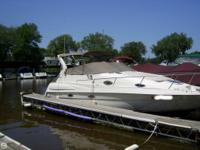 Elegant Regal 280 Original owner Nice & & Roomy 9.5