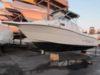 2000 Robalo 2240 WA. This Robalo is in good condition