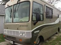 PRICE REDUCED 2000 28' Safari Trek Workhorse chassis,