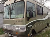 Cost Reduced. 2000 28' Safari Trip Workhorse chassis,