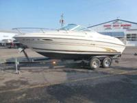 2000 Sea Ray 215 Express Includes Trailer. Boats Cuddy