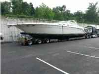 2000 Sea Ray 500 Sundancer Boat is located in Osage