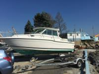 2000 Seaswirl 2600 Sport CabinThis Sea swirl Has the