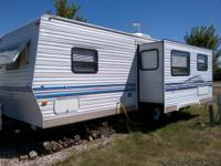 Very clean and well kept 20.8 ft travel trailer for