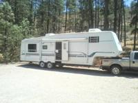 2000 Sunnybrooke Brookside M33rlts. A large 34 foot