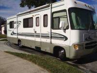 2000 Thor Windsport This Class A recreational vehicle