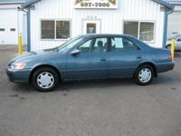 Options Included: N/A2000 TOYOTA CAMRY CE - LOCAL TRADE
