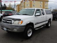 Toyota Tundra White 4.7L V8 SMPI, 4WD. Locally Owned