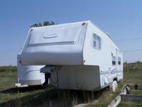 2000 Trail-Lite by R-Vision 5th wheel camp trailer,