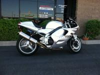 2000 TRIUMPH DAYTONA 955 I Here is a Daytona 955 with a
