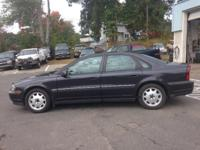 2000 Volvo S80 4 Cylinder FWD 182k This car is loaded
