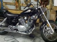 2000 Yamaha Virago XV 250..BLACK in color 3977 Miles.