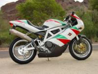 2000 Bimota DB4 w/Factory Race Kit.This motorbike is a