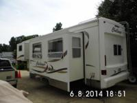 ,,.2000 Damon Challenger 32' 5th Wheel camper in great