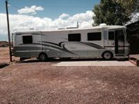 Very nice 2000 Holiday Rambler 38' Diesel pusher with