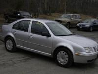 Great looking car 2000 w/only 118kmiles looks and runs