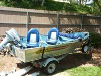 Great fishing boat, 2 nice seats that can be moved side