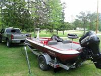 2001 18 ft sprint bass boat.  great condition garage