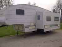 Type of RV: Fifth Wheel Year: 2001 Make: Gulf Stream