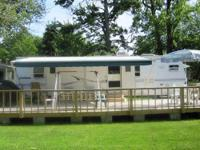 2001 33Ft. Dutchman travel Trailer, in excellent clean