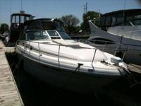 Type of Boat: Express Cruiser Year: 2001 Make: Sea Ray