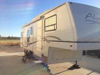 First-rate, Exceptional condition 2001 Fifth Wheel.