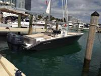 This 2001 25' Avanti Center Console is powered by Twin